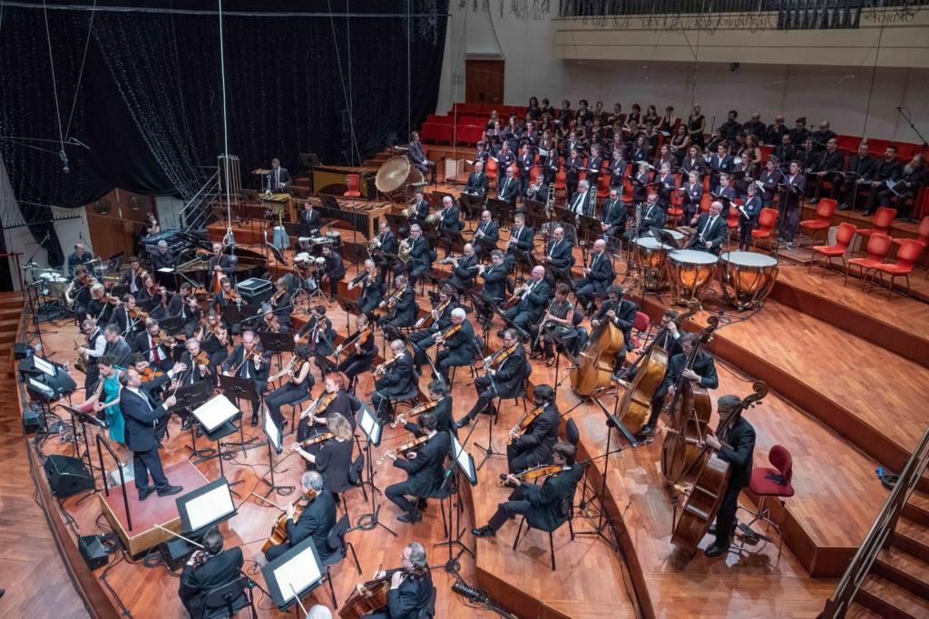 stefano fonzi dirige orchestra sinfonica nazionale della rai